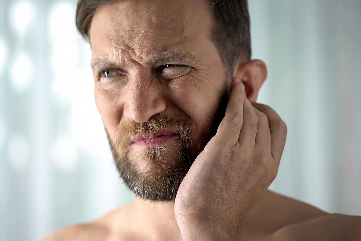 Tutte le possibili cause del mal d'orecchio